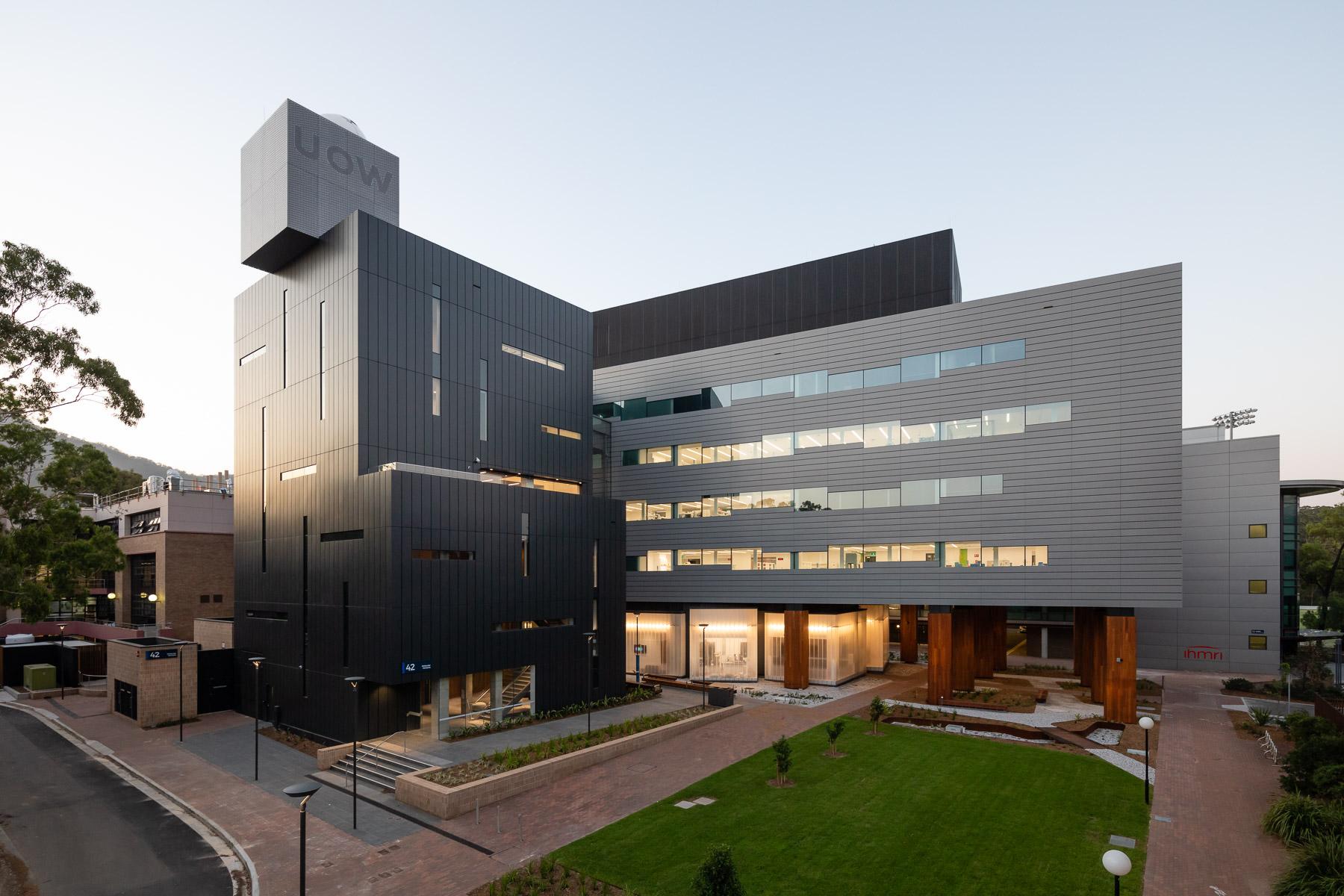University of Wollongong Molecular Life and Sciences