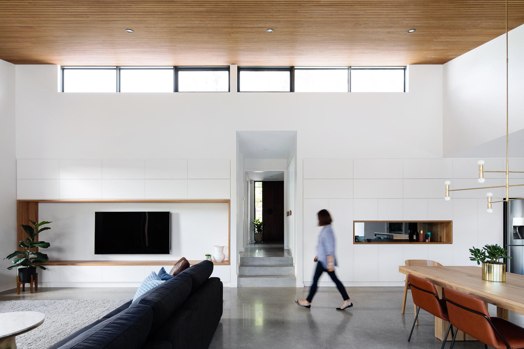Janz Crescent House